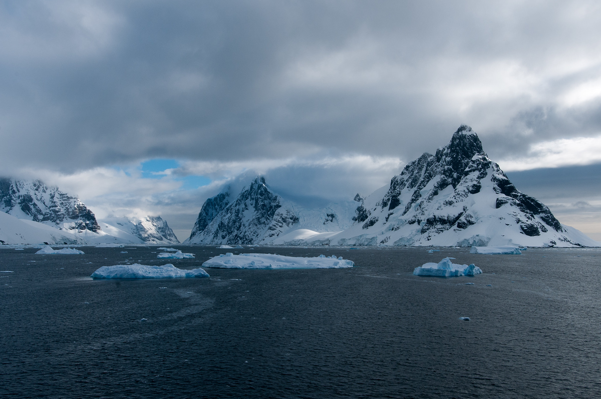 Crossing the Lemaire Channel in Antarctica