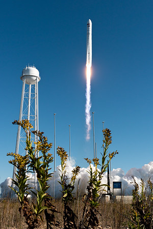 Antares launches Cygnus NG-12 (2019-11-02)