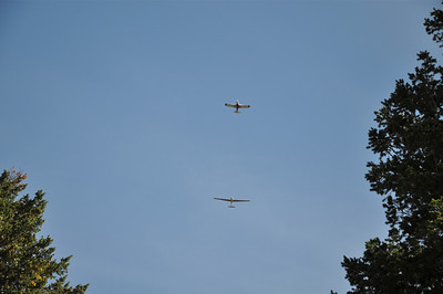 Short hike up Sugarloaf mountain within the city limits of Boulder.  Here a glider is being towed up.
