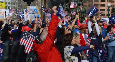 Trump-pro-anti-demonstration (8)