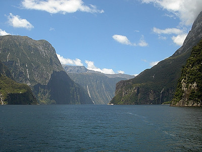 Entrance to Milford Sound, South Island, New Zealand 2005