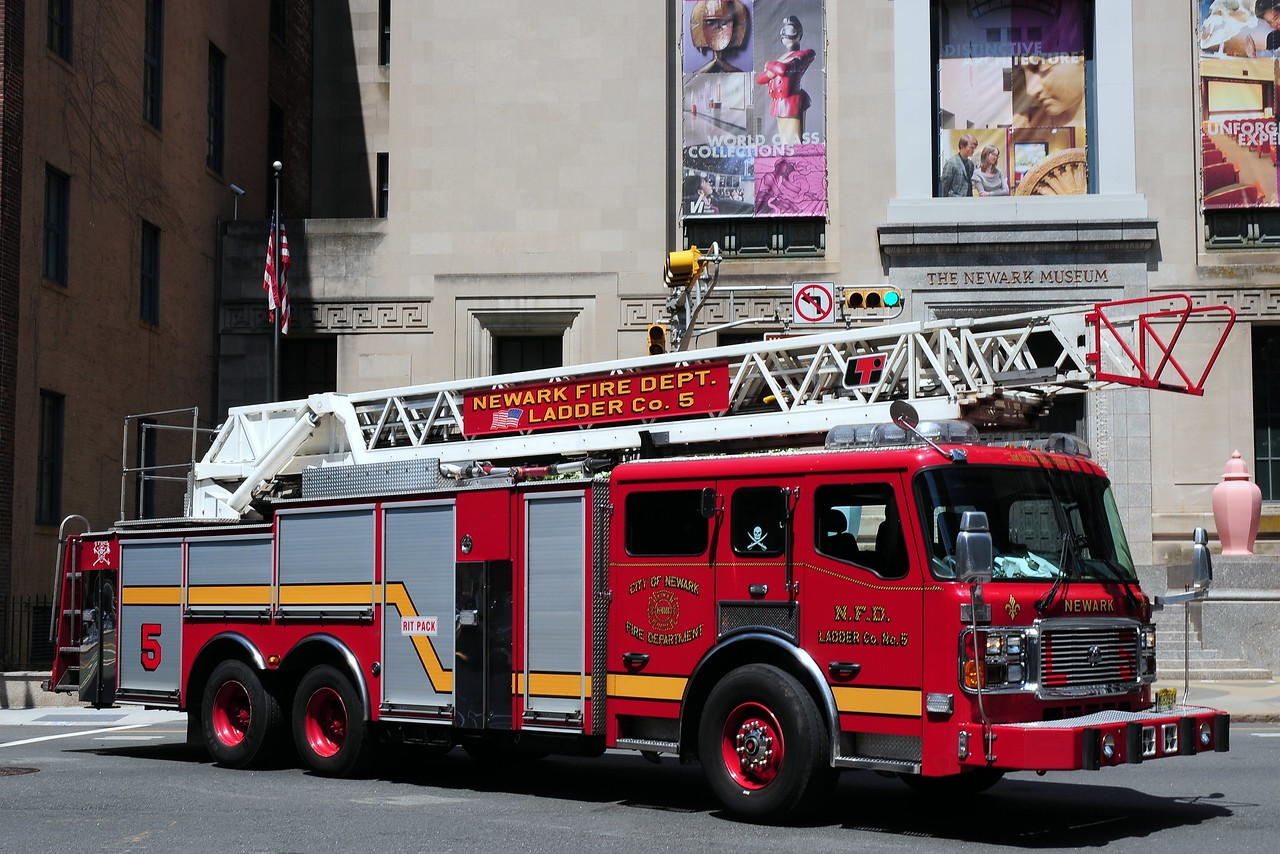 City of  Newark  Fire  Dept    Ladder 5   2008  American La France  110 Ft