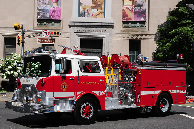 Demarest Fire  Dept    Engne  462  1977  Mack CF  1250/ 500