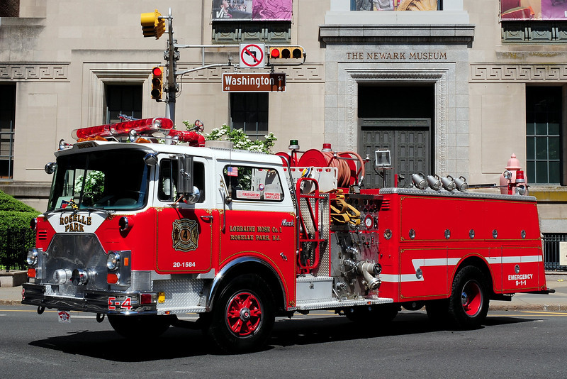 Roselle  Park  Fire Dept,  Engine  4  1981  Mack CF  1250/ 750