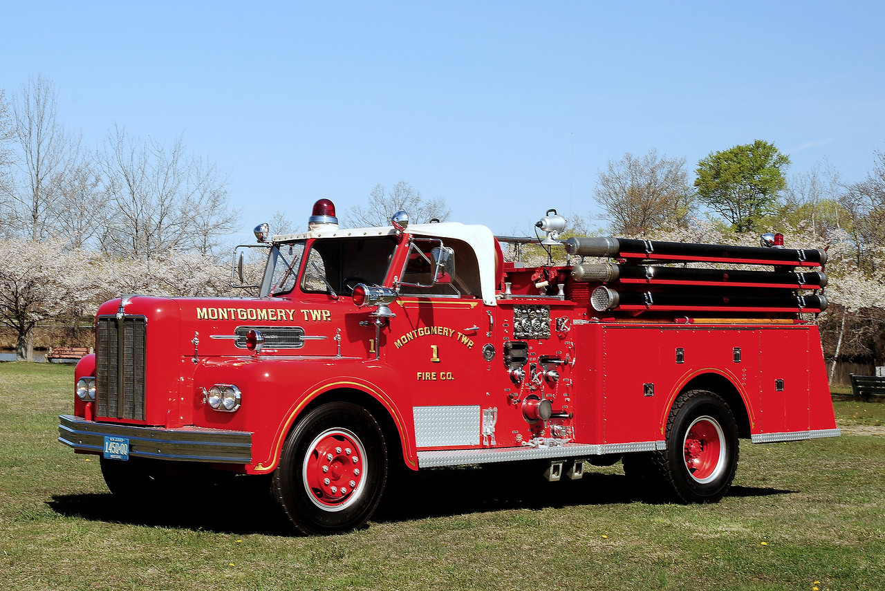 Montgomery   Twp  Fire   Co  # 1  ,  1966 Maxim  750/500