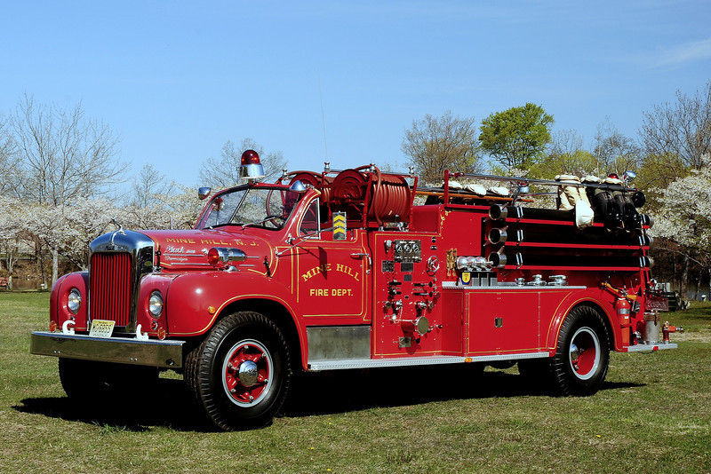 Mine Hill  Fire  Dept  ,  Mine  Hill ,  NJ   1954   Mack  B  Model  1000/ 1000