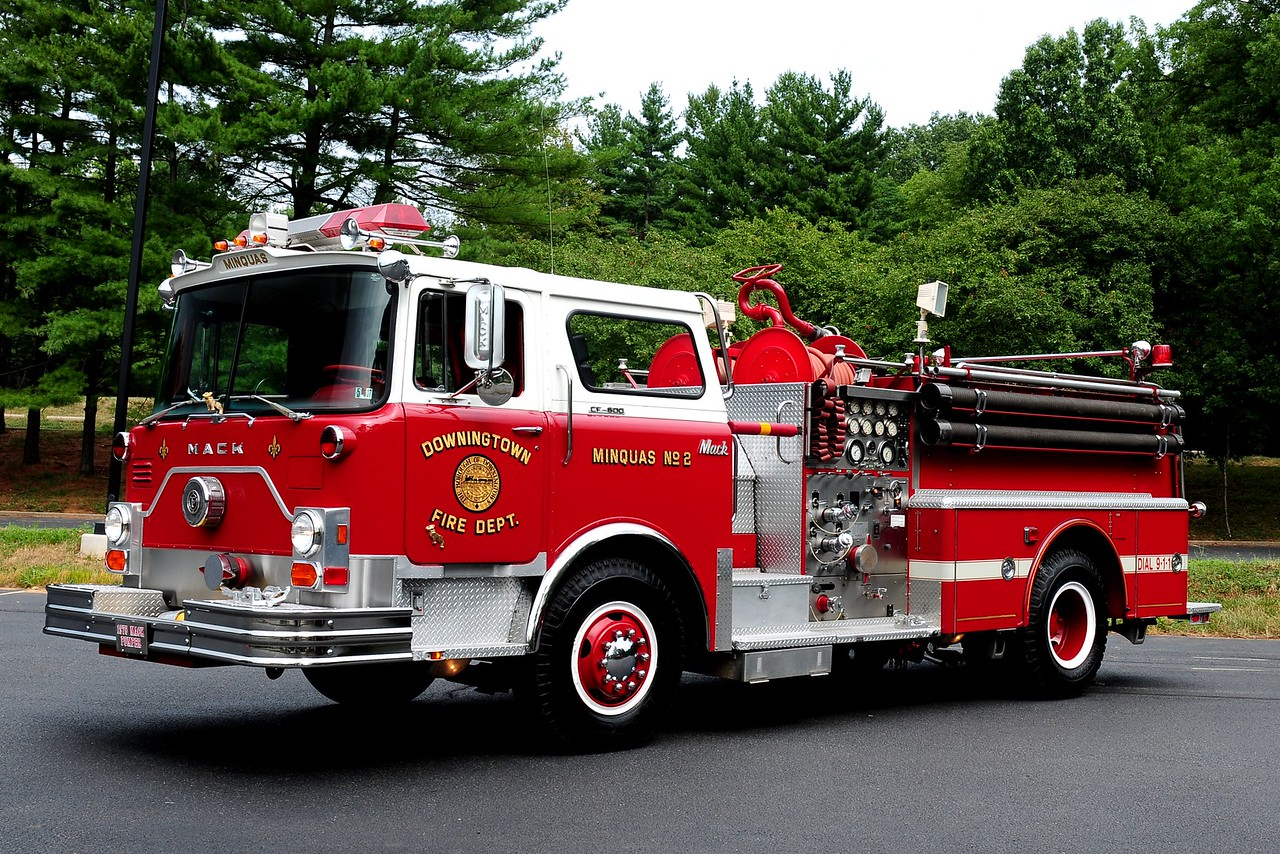 MINQUAS FIRE CO DOWNINGTON, PA 1976 MACK CF 600 1000/ 500 PRIVATELY OWNED BY GLENN USHER