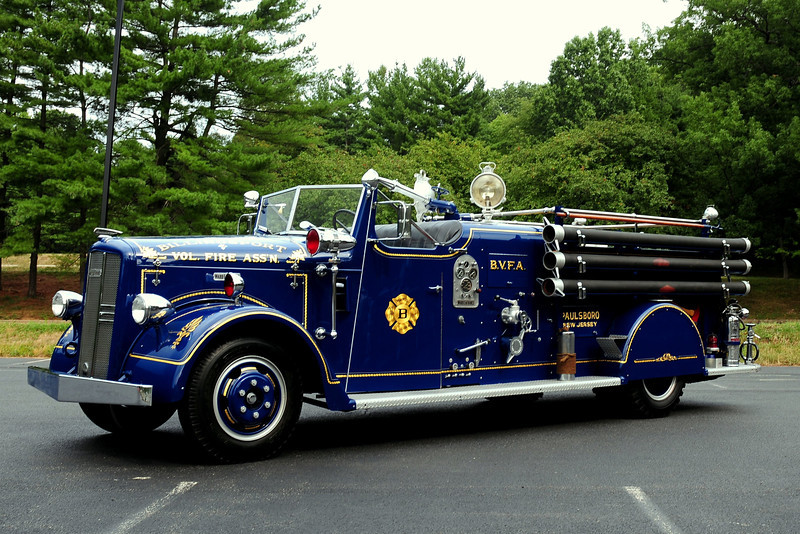 BILLINGSPORT FIRE CO PAULSBORO, NJ  - 1949 WARD LAFRANCE 500/240 OWNED BY JOHN BURZICHELLI