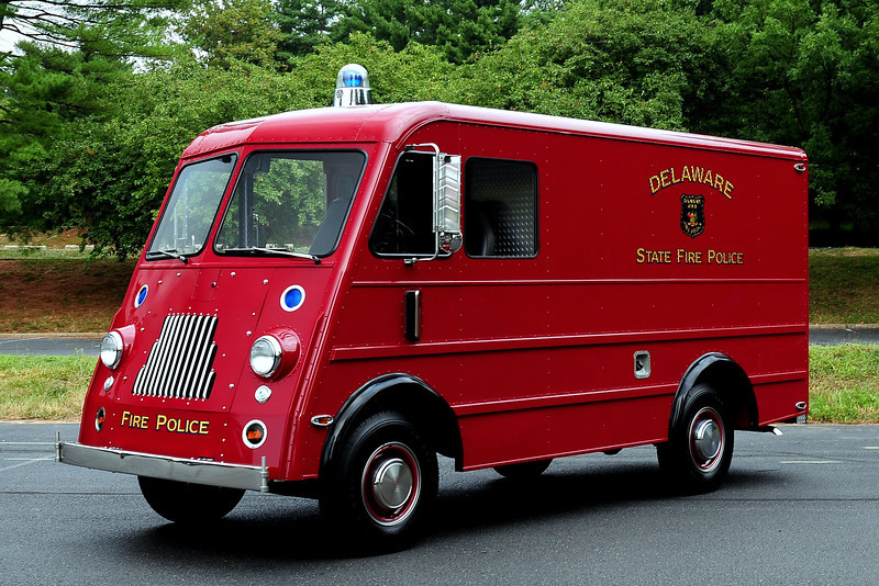 DELAWARE STATE FIRE POLICE - 1953 WARD ELECTRIC MOTOR CO./FORD