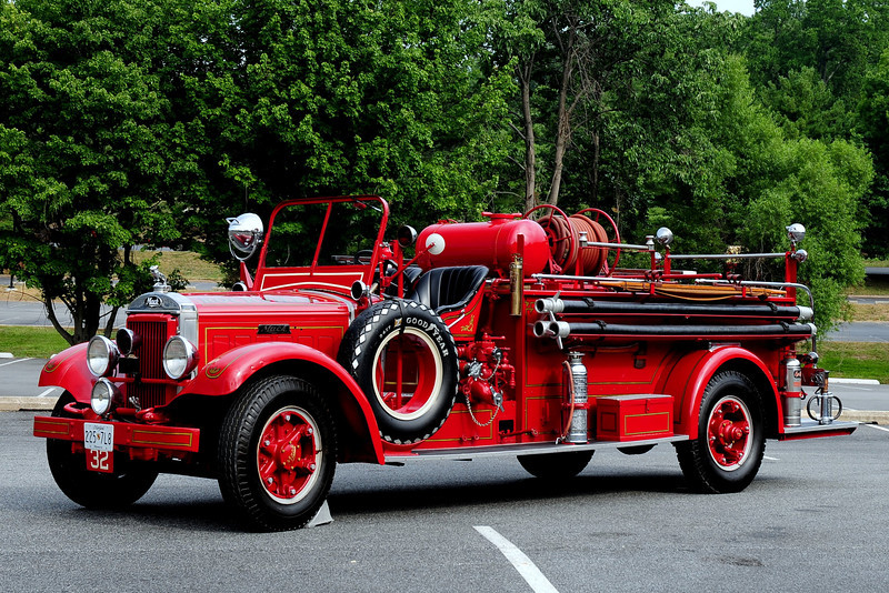ROCKVILLE, MD   1935 MACK MODEL BG 300/ 400