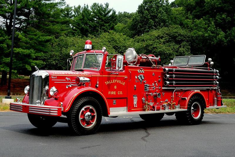 TALLEYVILLE, DE 1954 MACK L85S/ AMERICAN FIRE APPARATUS 750/ 350