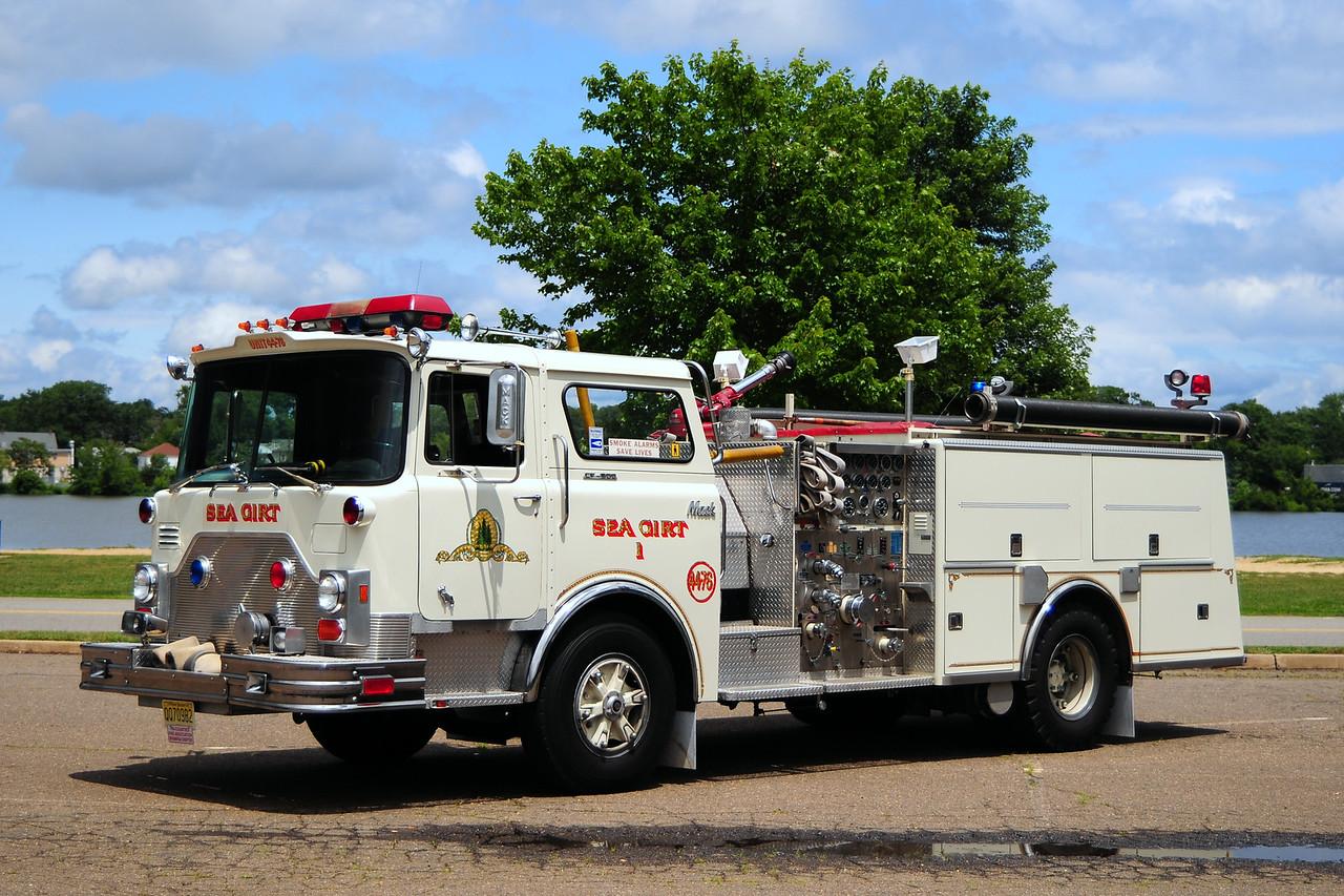 Sea Girt Fire Dept  Engine  44-76