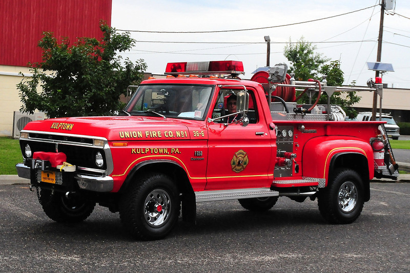 Union Fire co 1,  Kulptown, PA    Brush 36-6 1975 Ford F250/Saulsbury  250/ 200
