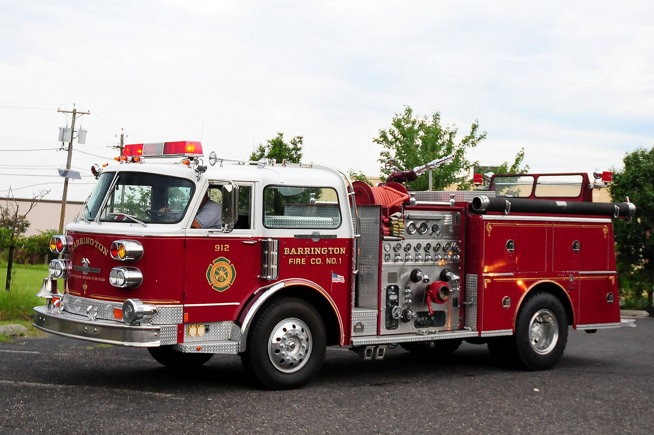 Barrington Fire Co 1 , Barrington, NJ 1977 American LaFrance 1500/ 500