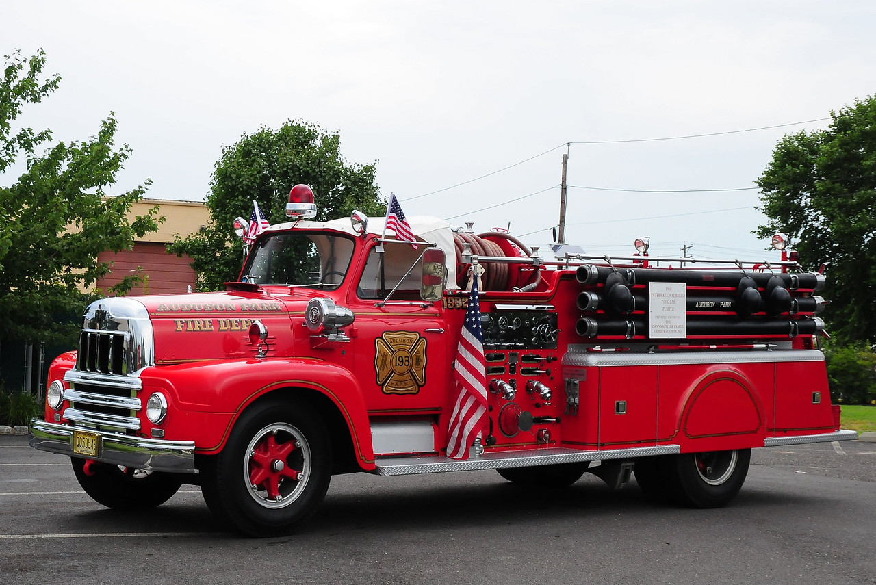 Audobon Park Fire Dept ,Audobon Park, NJ   Engine  193  1960 International 190/Brucco 750/ 500