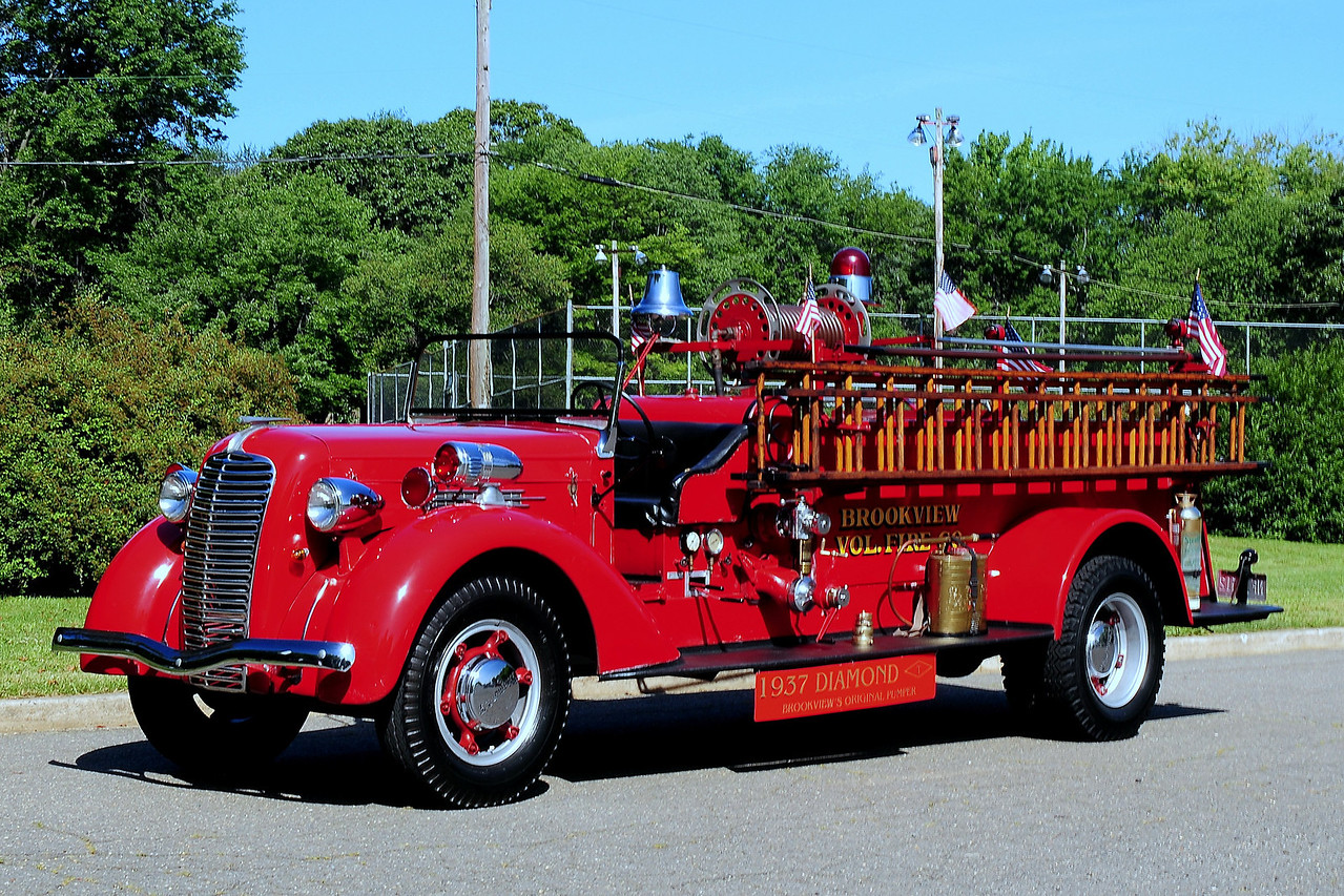 Brookview  Vol  Fire  Co   1937  Diamond  T  350/  100