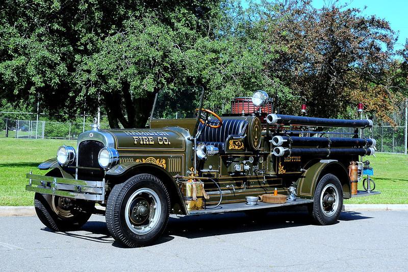Hamilton Fire Co   Neptune Twp   1928  Seagrave  600/ 100