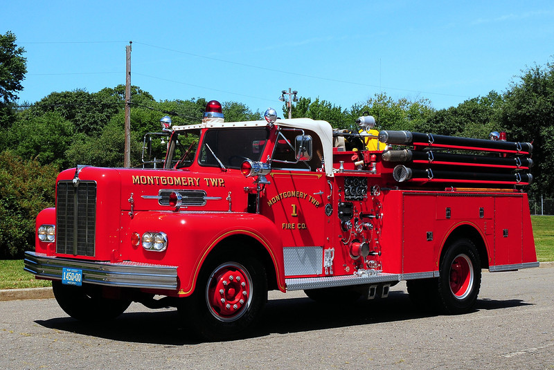 Montgomery Twp Fire Co # 1 , 1966 Maxim 750/ 500