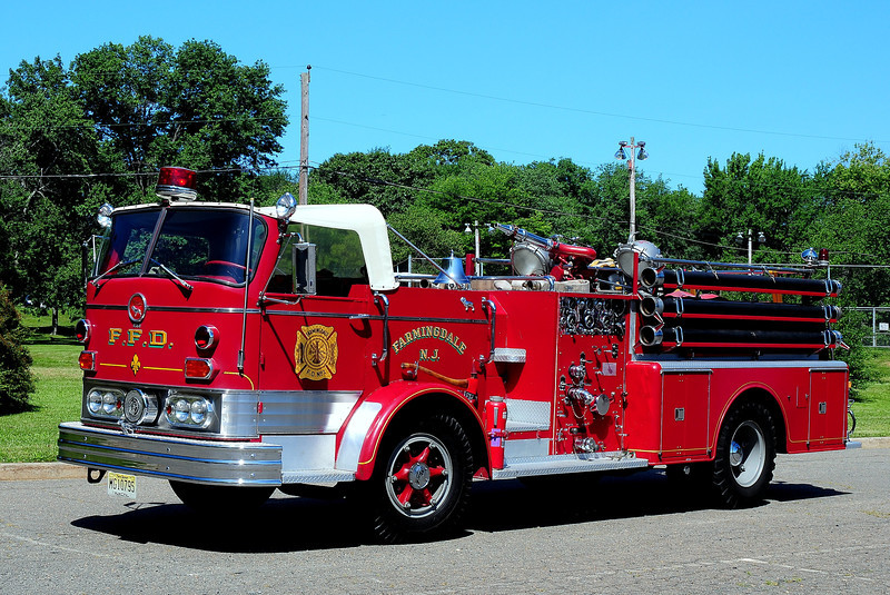 Farmingdale  Fire  Dept   1961  Mack   750/ 500