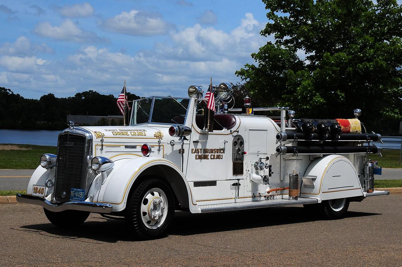 East Brunswick Independent Fire Co Engine Co # 1 1049 Ward La France 500/ 250