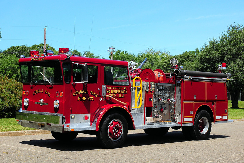 Kendall Park  Fire  Co   South Brunswick   Engine 221   1972  American La France Pioneer  1250/ 500