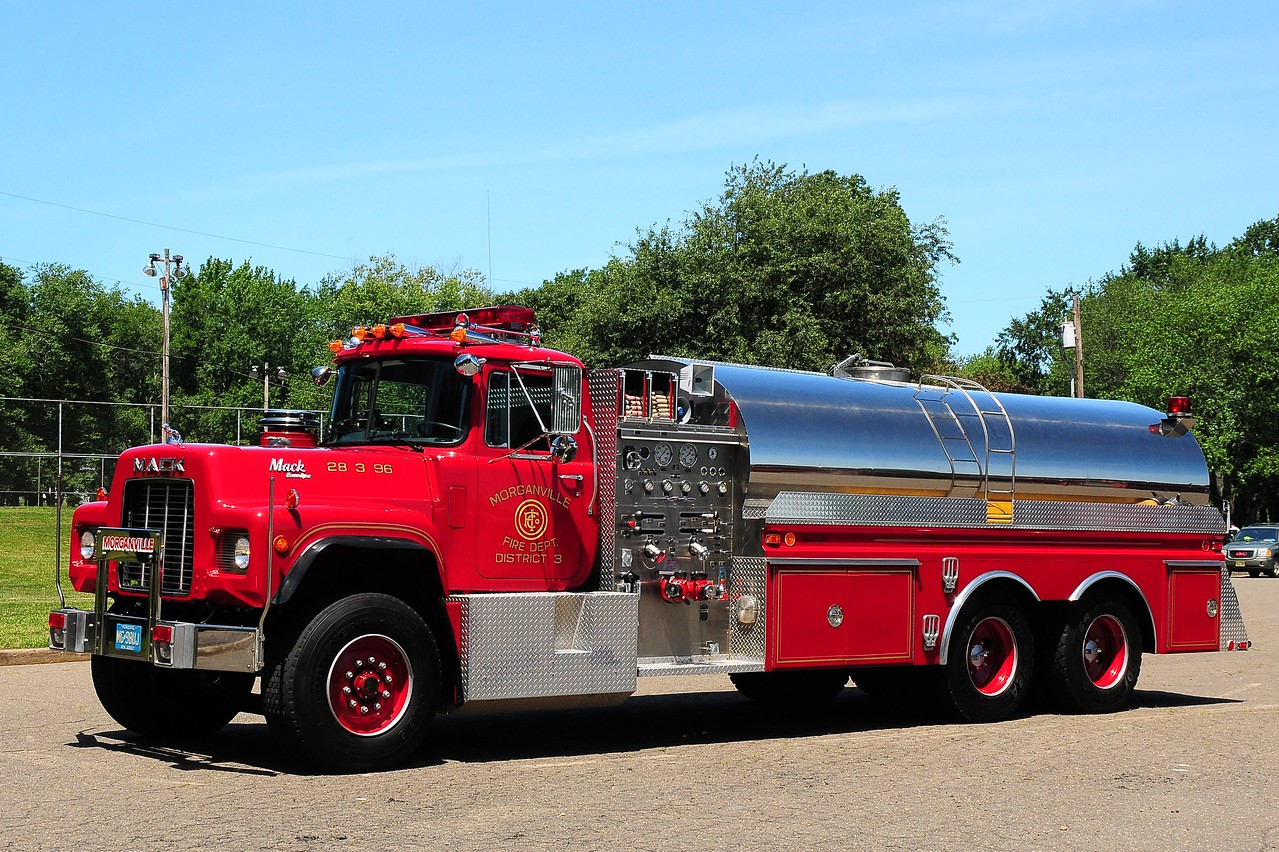 Morgan Fire  Co  1990    Mack  RD / 4  Guys   1000/ 3500  Note   This  is  the  Last  Mack  RD   Cab  Made