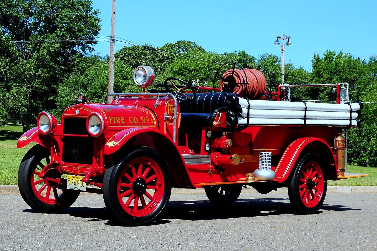 Manahawkin  Fire  Dept   Stafford Twp, Nj   1924  REO/  Hale  300 GPM
