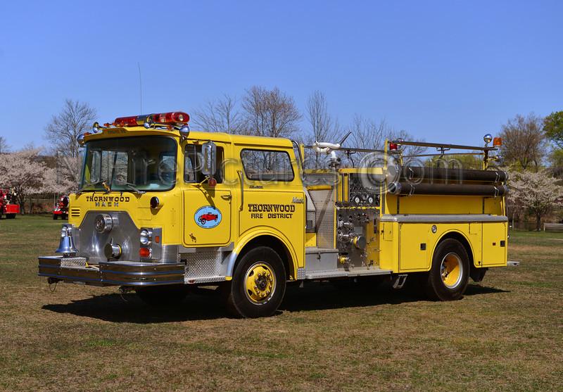 THORNWOOD, NY 1975 MACK CF 1500/500