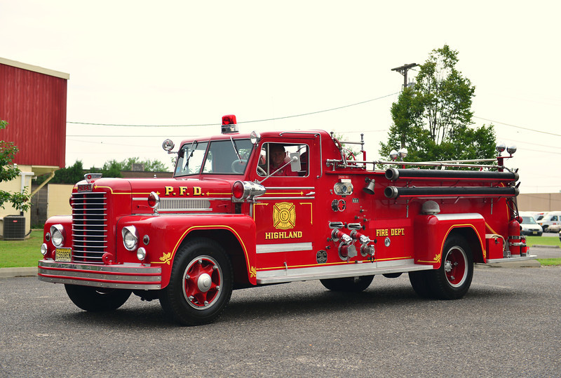 PENNSAUKEN, NJ (HIGHLAND FIRE CO.) 1956 OREN 750/500