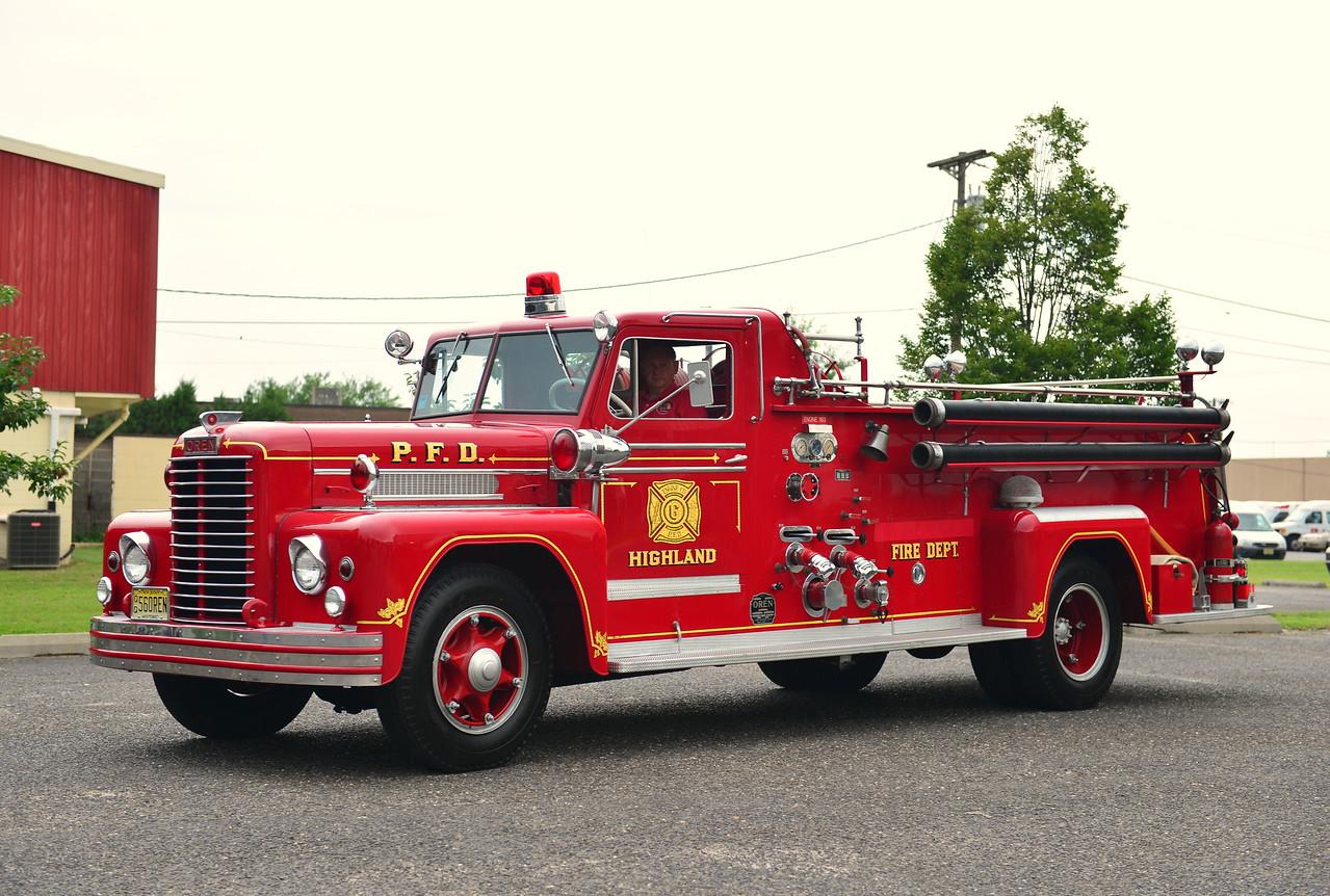 PENNSAUKEN, NJ (HIGHLAND FIRE CO.) 1956 OREN 750/500