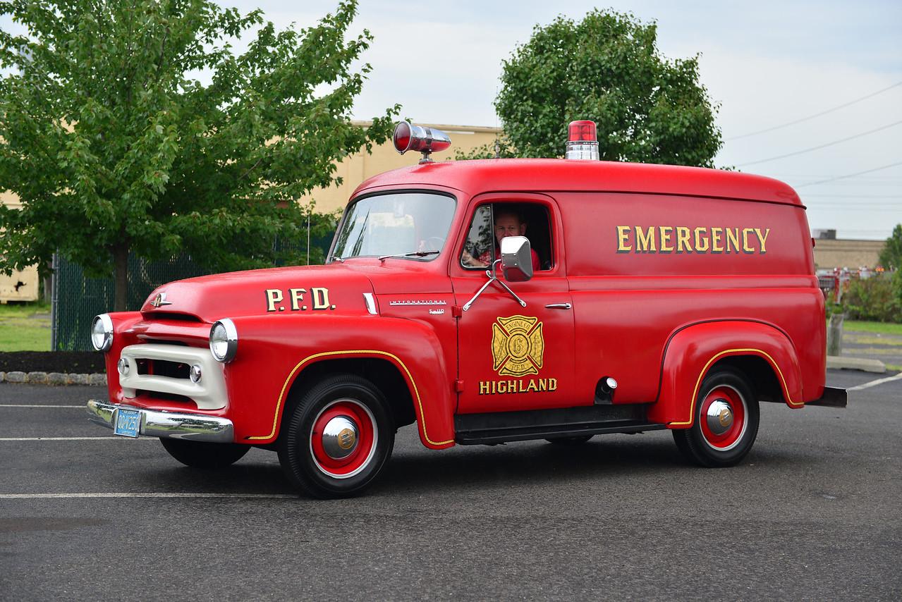 PENNSAUKEN, NJ (HIGHLAND FIRE CO.) 1956 INTERNATIONAL S-110
