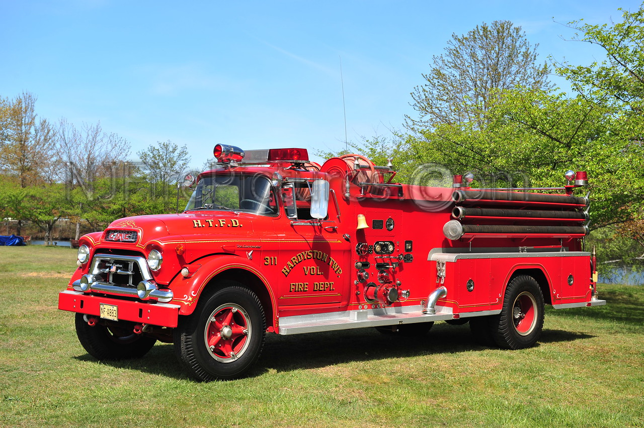 HARDYSTON, NJ ENGINE 311 - 1959 GMC/GREAT EASTERN/OREN 750/1000