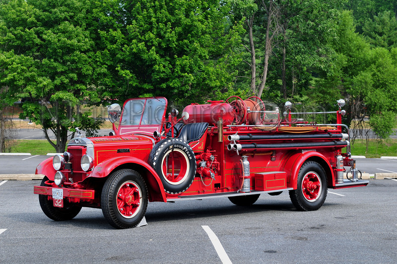 ROCKVILLE, MD - 1935 MACK MODEL BG 300/400