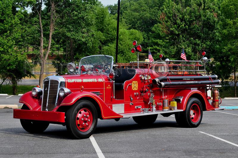 CLIFTON HEIGHTS, PA - 1938 AHRENS FOX 500/300
