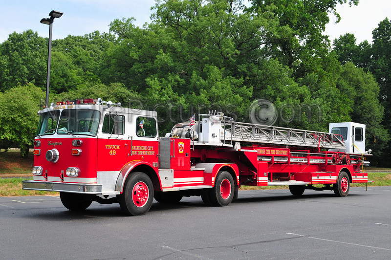BALTIMORE, MD - 1974 SEAGRAVE 100' PRIVATELY OWNED BY DONALD WERNIG WOODBURY, NJ (USED IN LADDER 49 MOVIE)