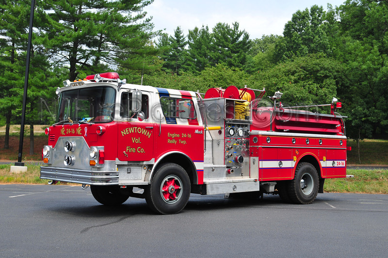 NEWTOWN ENGINE 24-16 (REILY TWP, PA) - 1971 MACK CF 600 1000/1000 EX-UPPER SAUCON, PA NOW OWNED BY RON YOUNG
