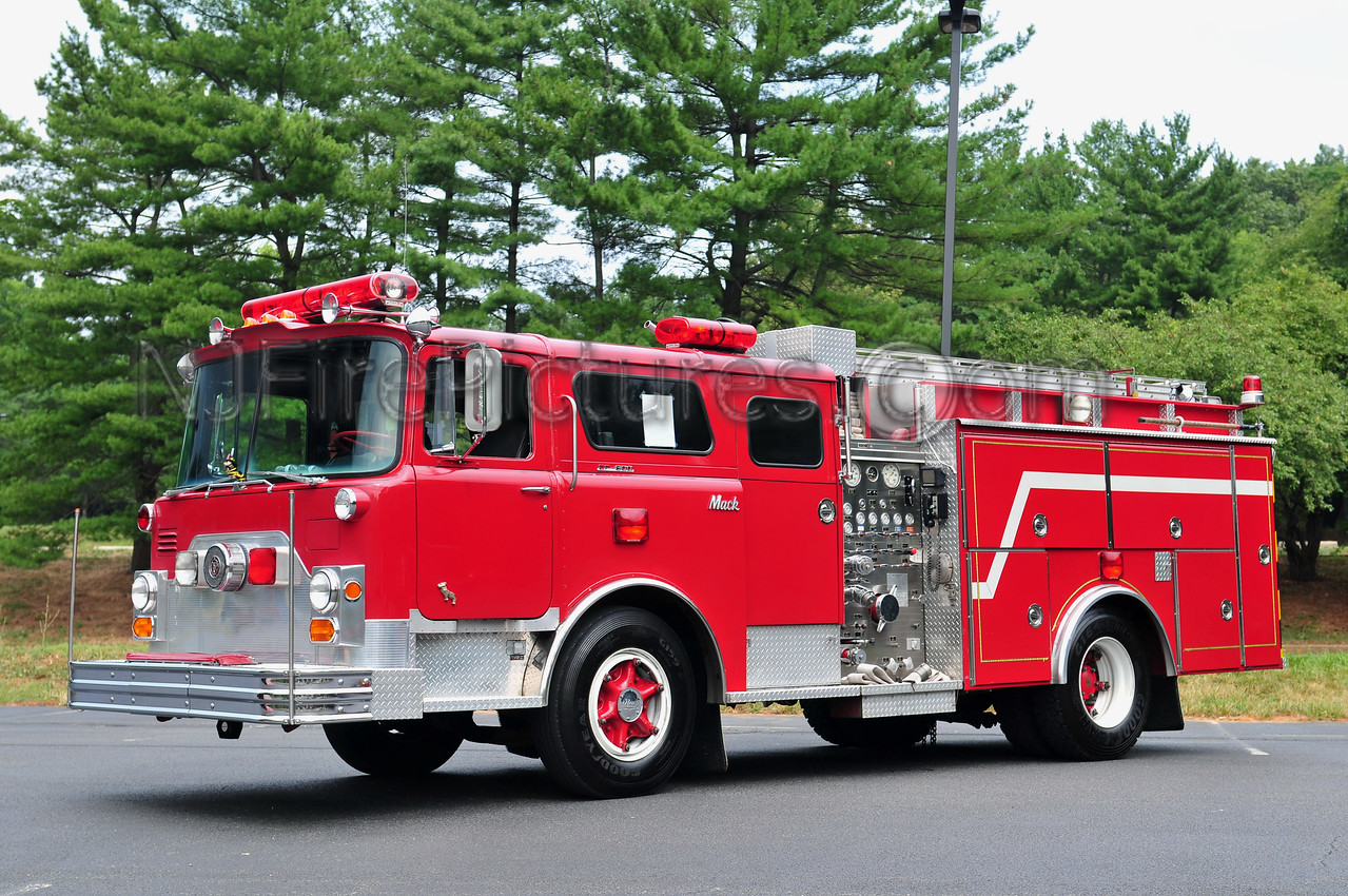 EX-NEW KENNSINGTON, PA 1970 MACK CF600/1988 4 GUYS REFURB 1000/750 PRIVATELY OWNED BY T. NISS