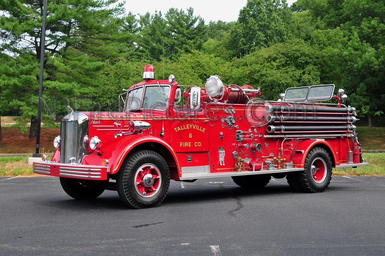 TALLEYVILLE, DE - 1954 MACK L85S/AMERICAN FIRE APPARATUS 750/350