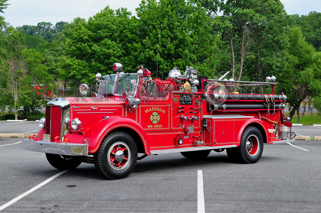 MADISON, NJ - 1953 MACK L85S 750/500 OWNED BY BILL STROUP