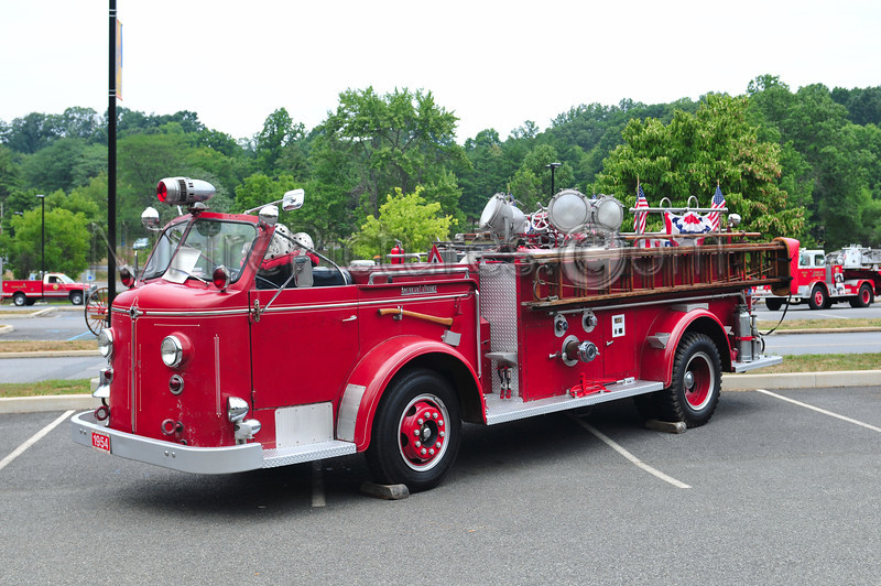 1954 AMERICAN LAFRANCE 700 SERIES 1000 GPM - OWNED BY RAY HELLER