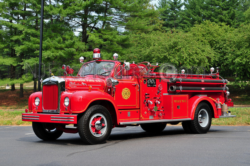 WAYNE, PA (RADNOR FIRE CO.) - 1954 MACK B75F 750/400