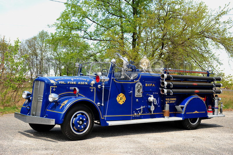 PAULSBORO, NJ BILLINGSPORT FIRE ASSN 1949 WARD LAFRANCE 500/250 PRIVATELY OWNED BY JOHN BURZICHELLI