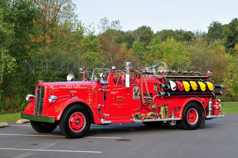 1949 WARD LAFRANCE OWNED BY T. BRETZ OF KINGSTON, PA. FORMERLY SERVED NEWPORT TWP, PA.