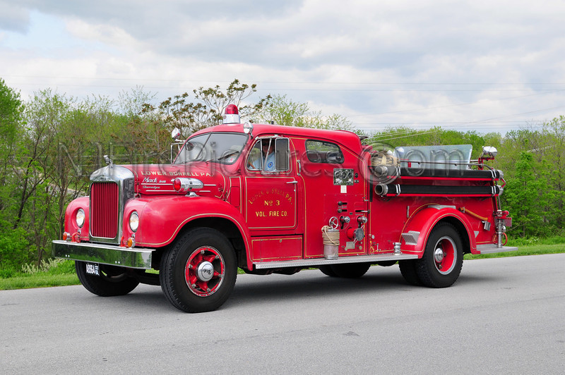 LOWER BURRELL, PA - 1954 MACK B MODEL