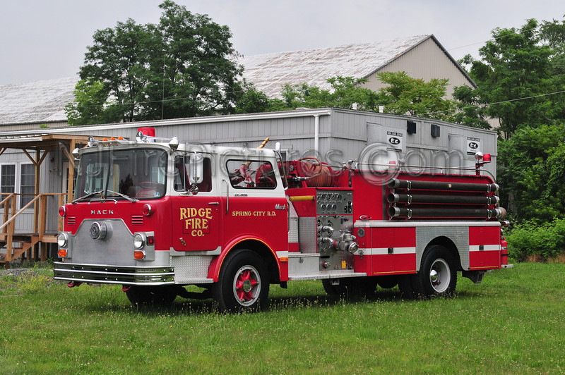 1971 MACK CF 1000/1000 EX-RIDGE, PA AND MAHAFFEY, PA. NOW PRIVATELY