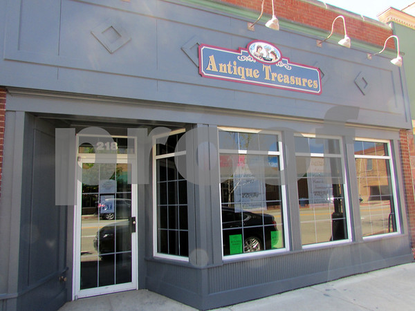Antique Treasures, a new home decor and antique store at 218 E. Lincoln Highway in downtown DeKalb, awaits final inspections from the DeKalb Fire Department and the city before opening its doors. The location had been a part of Eduardo's Mexican Restaurant, but was bought by Jeff Metzger earlier this year.