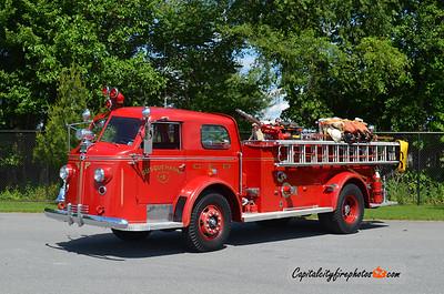 Suquehanna Fire Co., Columbia (Lancaster Co.), PA Antique: 1948 American LaFrance 700 Series 750/150