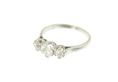 French (hallmarked) Deco Platinum OEC and OMC 3-Stone Ring