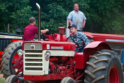 Threashing Bee09_054