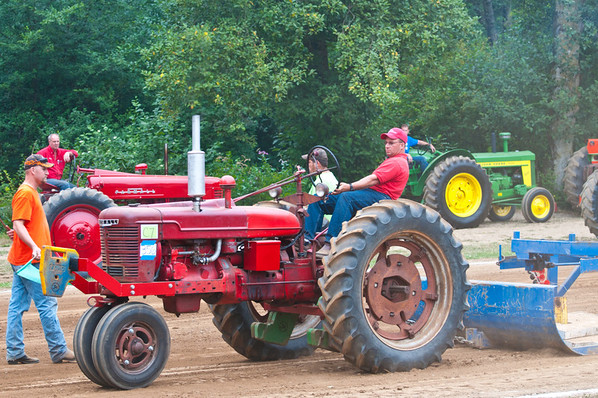 Threashing Bee09_042